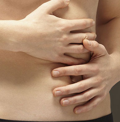 dores nas costelas pode ser gases